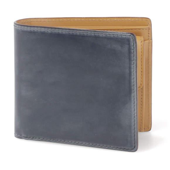 メンズはやっぱり二つ折り。デキる男なら持ちたい珠玉の二つ折り財布3選 3番目の画像