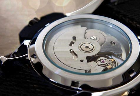 """あなたと同じ""""刻""""を刻み続ける。究極のこだわりが詰まった「自動巻き腕時計」の魅力とは? 3番目の画像"""