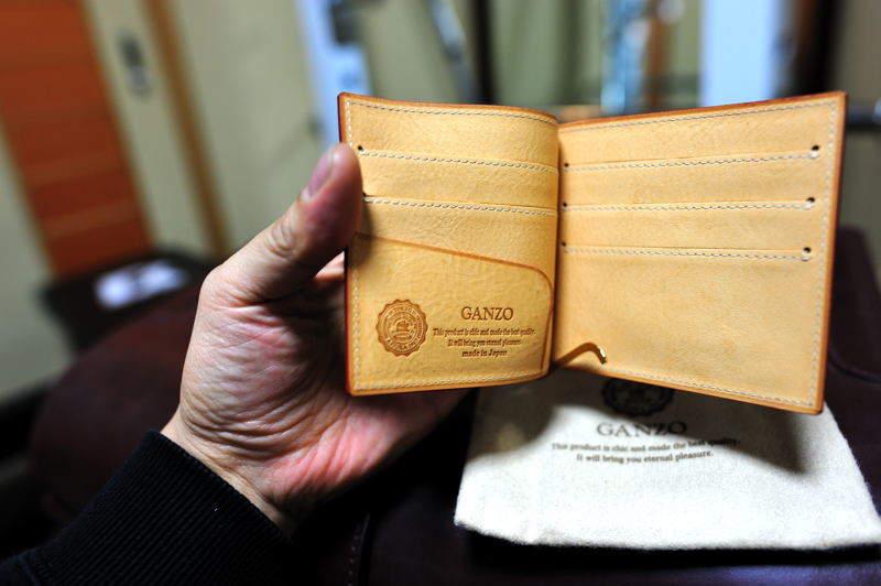 """""""こだわり""""を持つ大人の男になる。名門ブランド「ガンゾ(GANZO)」のパターンオーダー財布 1番目の画像"""
