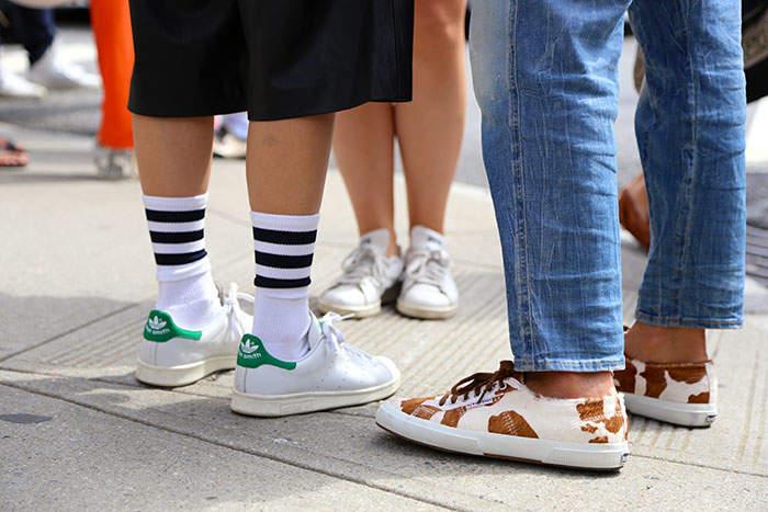 夏のキーアイテム:スニーカー&サンダルに合わせる「靴下」はこう選べ! 最も軽視される足もとお洒落 1番目の画像