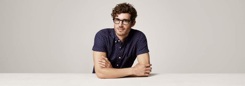 クラシックなメガネがいまどきのアイウェアスタイル。レトロ顔が新鮮な、おすすめ新作メガネ4選 1番目の画像