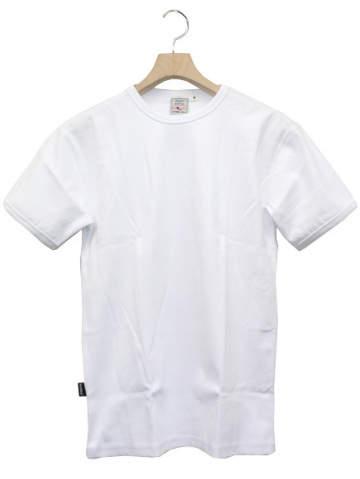 大人の白Tシャツはエレガントに。海外セレブの間で人気沸騰中「白Tシャツ」のおすすめな3枚 3番目の画像