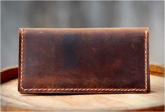 知る人ぞ知る革製品ブランド「アルズニ」:アルズニの財布が魅せるのは、最上級のこだわり。 4番目の画像