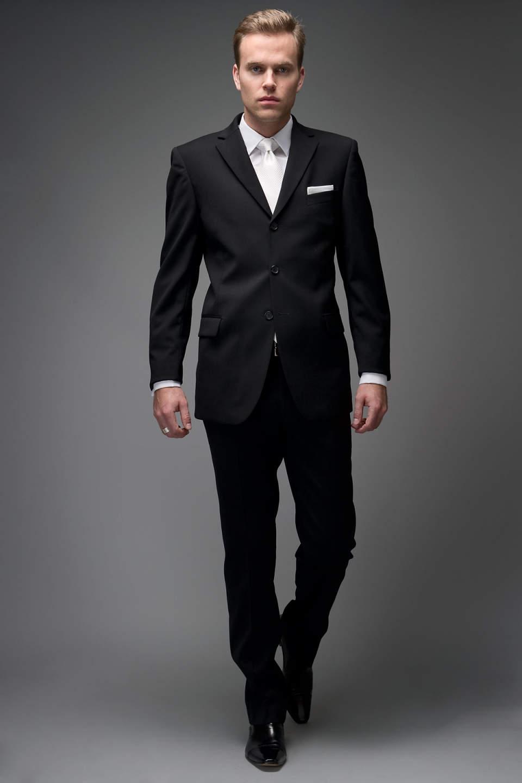 結婚式にふさわしいスーツの着こなし方って? 結婚式は服装の「マナー」から、全てが始まる 3番目の画像