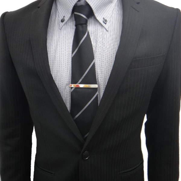 結婚式にふさわしいスーツの着こなし方って? 結婚式は服装の「マナー」から、全てが始まる 13番目の画像