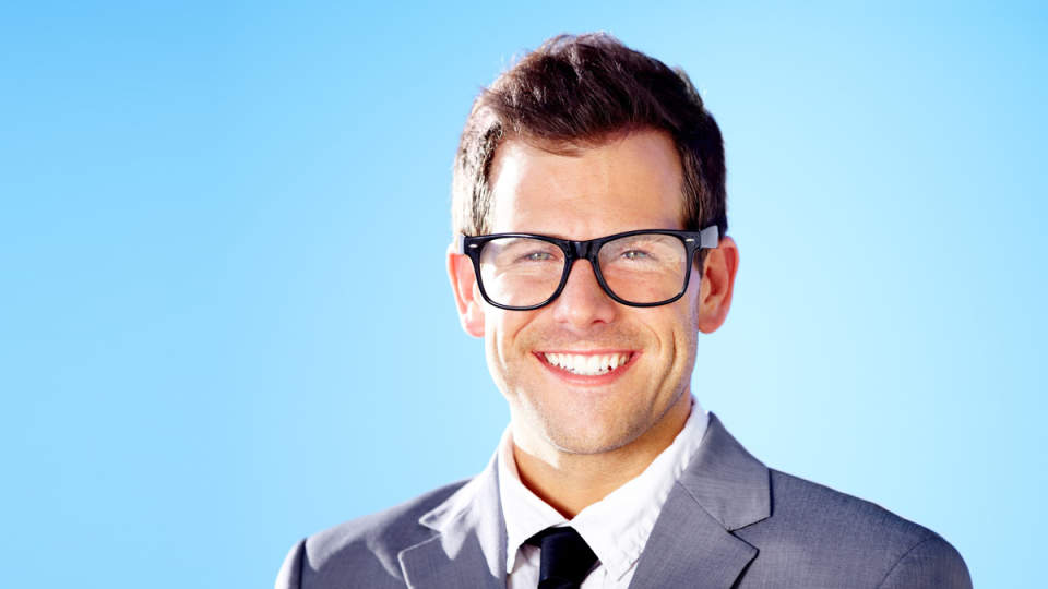 ビジネスシーン向きのメガネは? ビジネスマンのためのメガネの選び必勝講座 1番目の画像