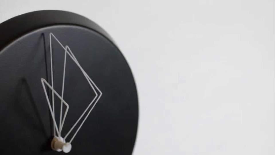 おしゃれな掛け時計が部屋を明るく彩る。デザインの優れた掛け時計5選 3番目の画像