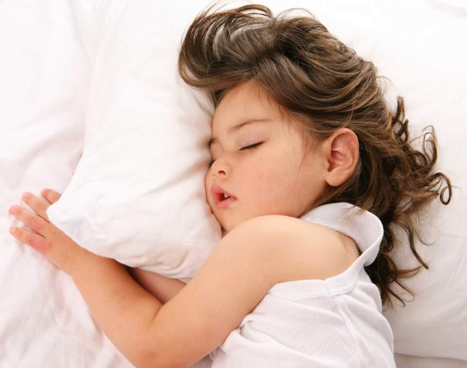 お子さまが安心して寝れる寝具を。布団クリーナー「RAYCOP(レイコップ)」で安心安全な毎日を。 3番目の画像