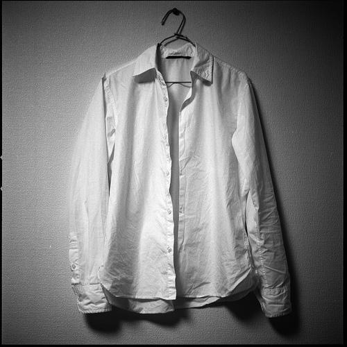 秋のデイリーコーデはシャツにおまかせ:スタンダードから個性派コーデを紹介 1番目の画像