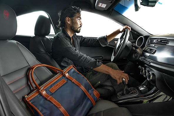 おしゃれビジネスバッグを展開するブランド3選:おしゃれカバンが、大人の男を格上げする。 2番目の画像