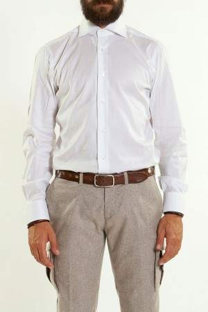 おすすめの白シャツブランド傑作選。ワンランク上の白シャツで、スーツ姿を格上げする。 2番目の画像