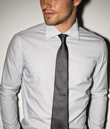 おすすめの白シャツブランド傑作選。ワンランク上の白シャツで、スーツ姿を格上げする。 5番目の画像