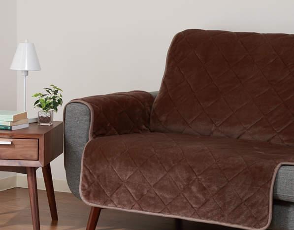 ソファーのデザインをおしゃれに変えるソファーカバーという存在。季節ごとにデザインを変えよう 2番目の画像