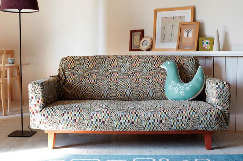 ソファーのデザインをおしゃれに変えるソファーカバーという存在。季節ごとにデザインを変えよう 4番目の画像