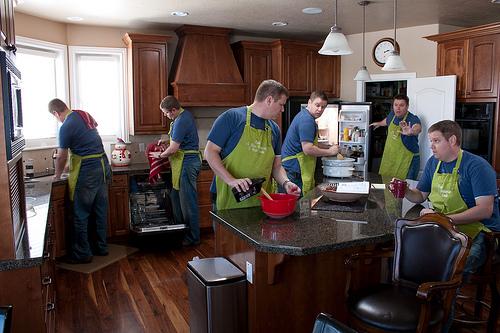"""料理は""""段取りが9割""""。仕事がデキる男は、料理もできるという事実:『料理ができる男は無敵である』 1番目の画像"""
