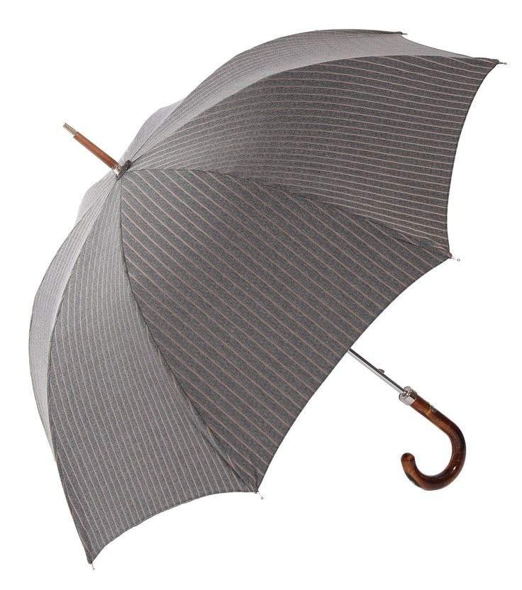 雨の日に持って出かけたいおすすめメンズ雨傘5選。鬱蒼とした雨の日に、上品な演出を。 5番目の画像