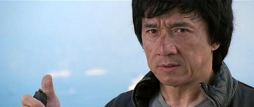 俳優の年収ランキングは日本人にとって意外な結果に? 大人気なあの人もトップ10を逃している。 3番目の画像
