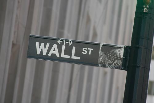 """26歳で年収49億円! ウォール街の""""狼""""ジョーダン・ベルフォートが明かす『ヤバすぎる成功法則』 1番目の画像"""