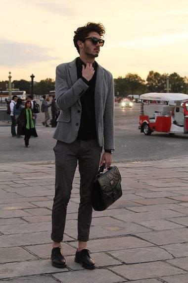 スーツの着まわし力がすごい。スーツ着まわし術でワンランク上のスタイルを確立 2番目の画像