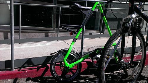 なぜ今「折りたたみ自転車」なのか? 都市型生活に最適なおすすめ折りたたみ自転車3選 2番目の画像