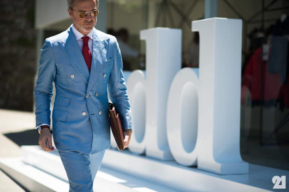 叫ばれるダブルスーツの「復権」。世界のお洒落メンズが着こなすダブルスーツのコーデ集! 1番目の画像