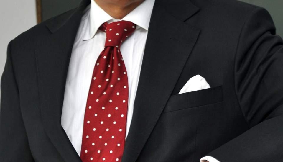 ポケットチーフの折り方は、これを読めばひとまず安心。基本をおさえた折り方でスーツ姿を格上げせよ 3番目の画像