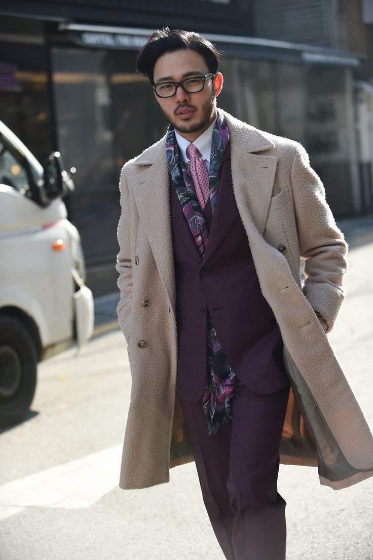 秀逸なマフラー使いで冬の洒落スーツ姿に。スーツスタイルを格上げするトレンディなマフラーコーデ術 5番目の画像