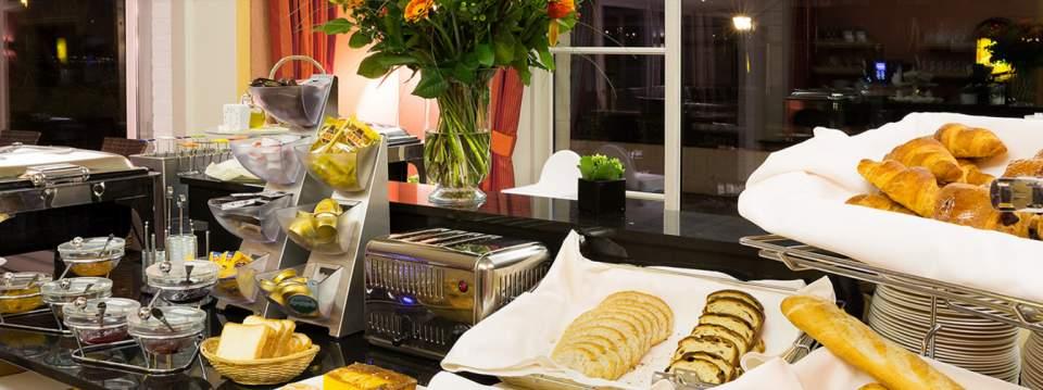 「世界ベストホテルランキング」トップ10:幻想的な夜景や豪華な朝食が旅を素敵にする 3番目の画像