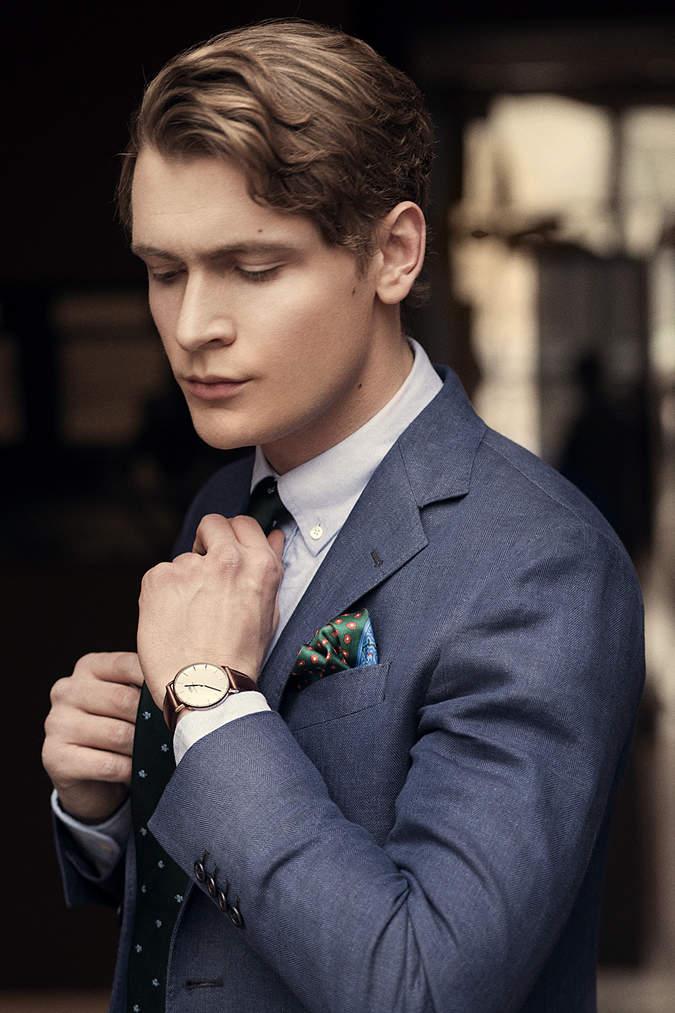 スーツでビシッとキメても油断は禁物。腕時計とスーツの「