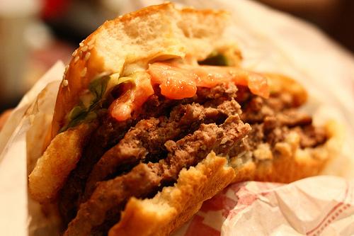 肉汁したたる、東京のハンバーガー11店:今食べなきゃ損! 新規オープンから老舗店まで。 1番目の画像