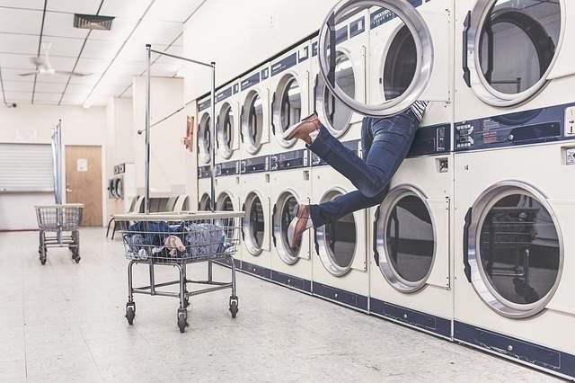 「型崩れしない」ジャケットの洗濯マニュアル:ジャケットのクリーニング代はもうかけなくていい? 2番目の画像