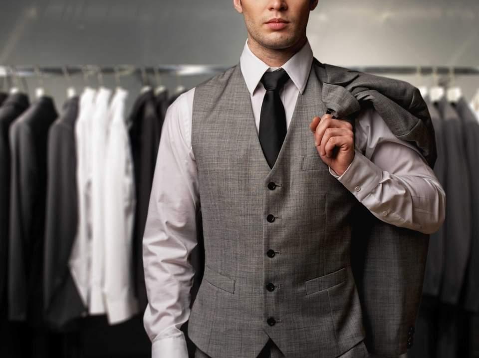 「スーツの選び方・着こなし法 第七ヶ条」を制定!:男のスーツは肩で着ろ。 1番目の画像