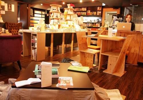 東京にある、異彩を放つおすすめ本屋。ビール片手に本を読もう。 9番目の画像