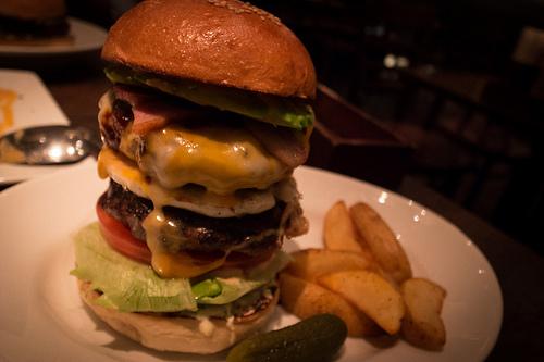 肉汁したたる、東京のハンバーガー11店:今食べなきゃ損! 新規オープンから老舗店まで。 7番目の画像