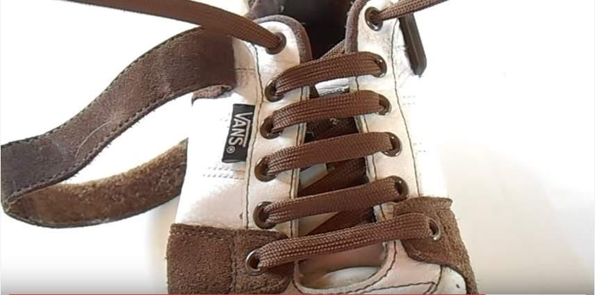 革靴の紐、買ったときの結び方のまま?シーン別ビジネスシューズの紐の結び方 5番目の画像