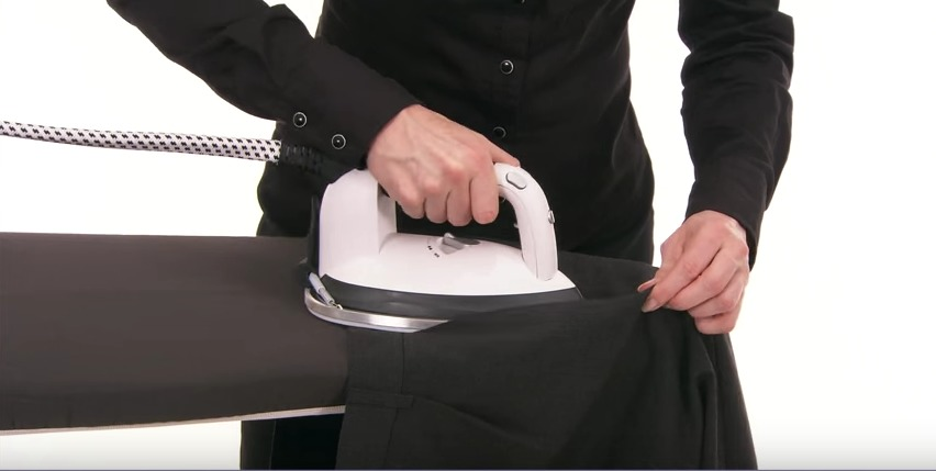 """スーツはアイロンのかけ方一つで変わる! 10分で出来るアイロンテクでスーツを""""新品同様""""に 8番目の画像"""