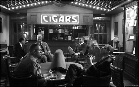 """""""人事は喫煙室で決まる?"""" 「タバコ×休憩=タバコミュニケーション」を巡る仕事場での賛否の声 2番目の画像"""