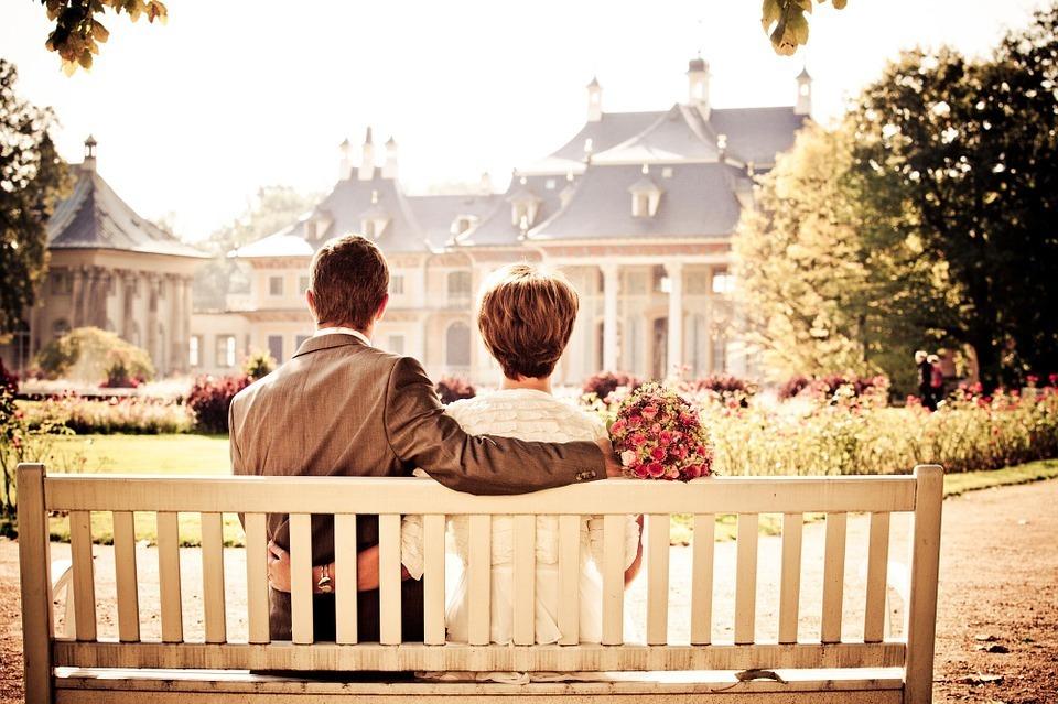 結婚する時の平均貯金額は? みんなに聞けないけど、気になること「いくらあれば結婚できる?」 1番目の画像