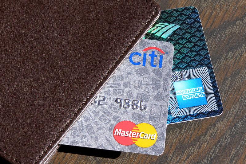 クレジットカードのサイズやサイン、仕様って会社で違うの? クレジットカードの秘密に迫る。 1番目の画像