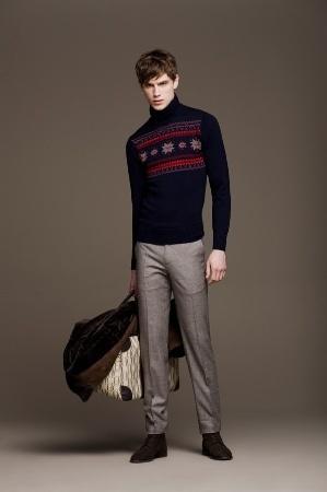 大人らしさの追求を! メンズセーターの大人な着こなしで、セーターのカジュアルなイメージを払拭せよ 3番目の画像