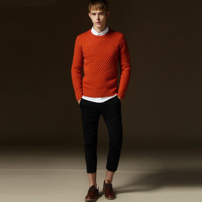 大人らしさの追求を! メンズセーターの大人な着こなしで、セーターのカジュアルなイメージを払拭せよ 7番目の画像