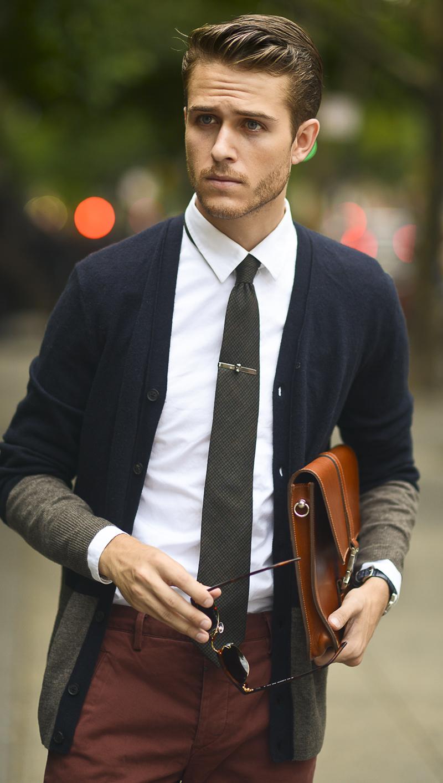 ネイビーカーディガンの着こなしを豊富にラインナップ! 清楚もカジュアルもこれ一枚で実現可能に。 6番目の画像