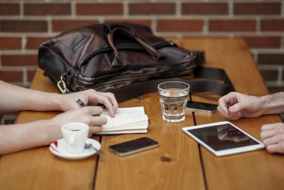 ビジネスで使える「英語メールにおける自己紹介」3つのポイント:「I'm」はダメって本当? 1番目の画像