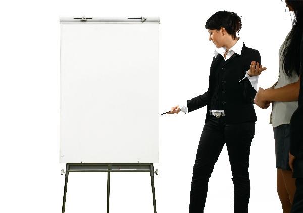 ビジネスで使える「英語メールにおける自己紹介」3つのポイント:「I'm」はダメって本当? 3番目の画像