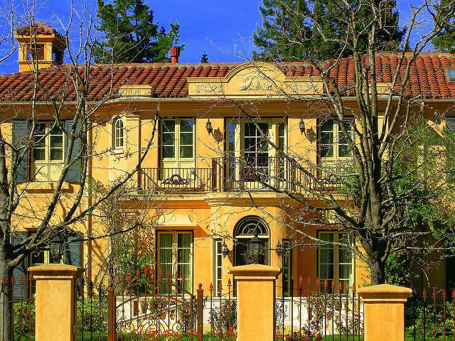 アメリカのお金持ちの家が多い地区トップ10:経済都市から高級リゾート地まで。あのセレブはどこに  2番目の画像