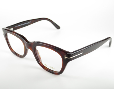"""""""ポスト黒ぶちメガネ""""を探せ! 今最もトレンディなメガネはコレだ 4番目の画像"""