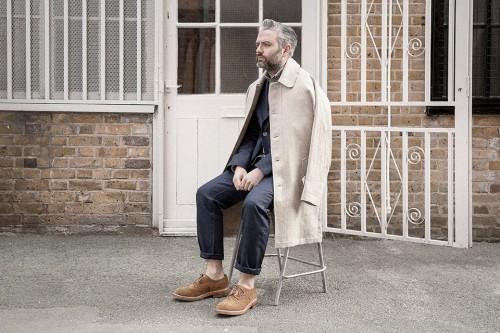 """ステンカラーコートでシンプルおしゃれなメンズ着こなしを。""""おしゃれの究極はシンプルにあり!"""" 1番目の画像"""