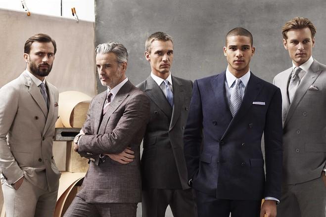 """ダブルスーツが実現する大人の品格:着こなしを抑えて""""ワンランク上""""のスーツスタイルを 1番目の画像"""