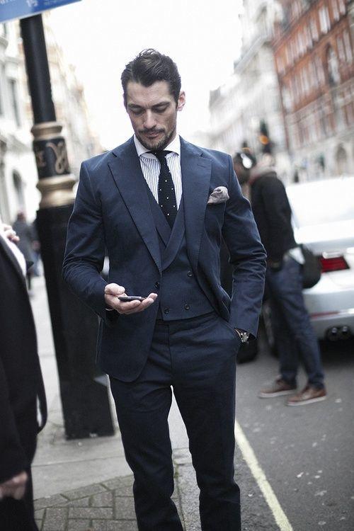 """ダブルスーツが実現する大人の品格:着こなしを抑えて""""ワンランク上""""のスーツスタイルを 3番目の画像"""