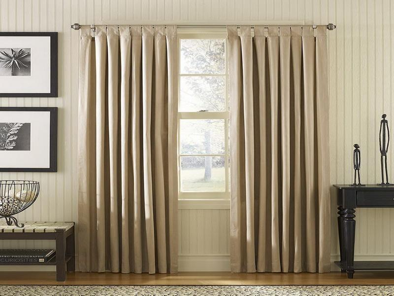部屋が七色に変わるカーテンの色選び。カーテンの色でワンランク上の部屋作りを 1番目の画像